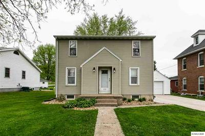119 MANCHESTER AVE, Earlville, IA 52041 - Photo 1