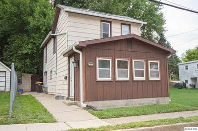 200 WISCONSIN AVE, East Dubuque, IL 61025 - Photo 1
