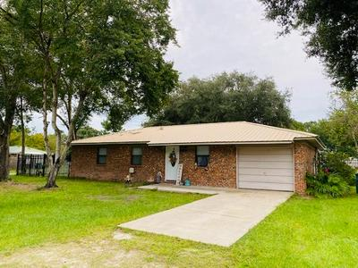 139 HILLCREST CIR NE, Branford, FL 32008 - Photo 1