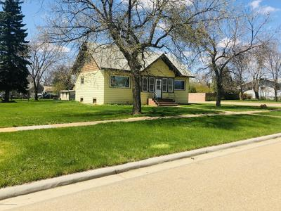 1042 1ST AVE W, New England, ND 58647 - Photo 2