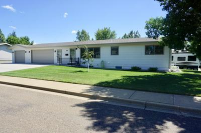 866 9TH ST E, Dickinson, ND 58601 - Photo 1