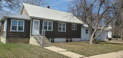 301 2ND ST N, Hettinger, ND 58639 - Photo 1