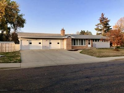 910 6TH ST W, Dickinson, ND 58601 - Photo 1