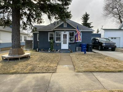 227 7TH AVE W, Dickinson, ND 58601 - Photo 1
