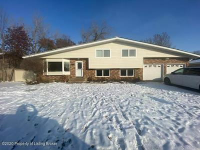 864 12TH AVE W, Dickinson, ND 58601 - Photo 1