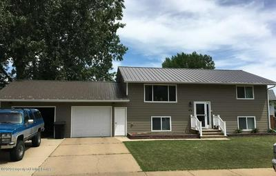 622 7TH AVE E, DICKINSON, ND 58601 - Photo 1