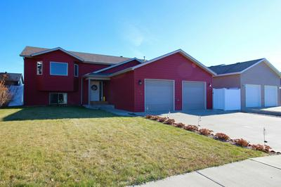674 16TH AVE E, Dickinson, ND 58601 - Photo 2