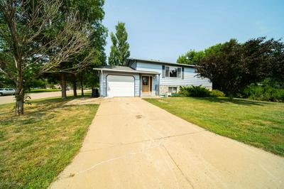118 E 11TH ST, New England, ND 58647 - Photo 2