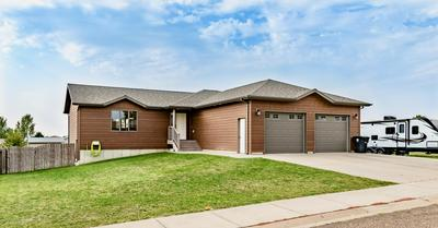 691 27TH ST W, Dickinson, ND 58601 - Photo 1
