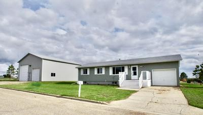 402 404 4TH SW AVENUE, Belfield, ND 58622 - Photo 1