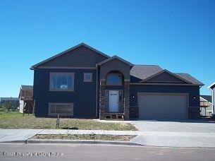 1117 26TH ST W, Dickinson, ND 58601 - Photo 1