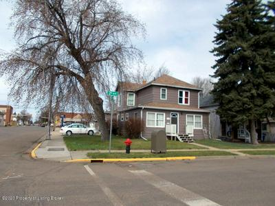 205 2ND AVE W, Dickinson, ND 58601 - Photo 1