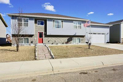 531 HIGHLANDS AVE, DICKINSON, ND 58601 - Photo 1