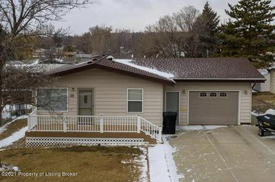 989 DELL AVE, Dickinson, ND 58601 - Photo 1