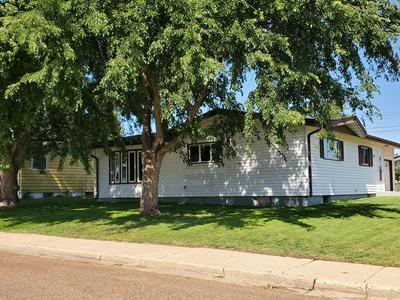 1149 CARROLL ST, Dickinson, ND 58601 - Photo 2