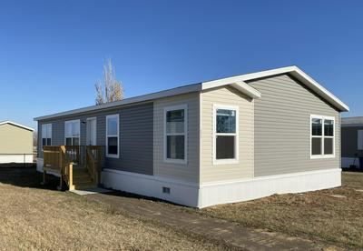 211 F ST, Dickinson, ND 58601 - Photo 1