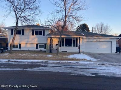 830 11TH AVE W, Dickinson, ND 58601 - Photo 1