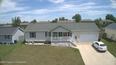 541 3RD AVE SW, Dickinson, ND 58601 - Photo 2