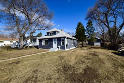 540 4TH AVE W, DICKINSON, ND 58601 - Photo 1