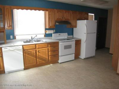 105 4TH AVE NW, Bowman, ND 58623 - Photo 2