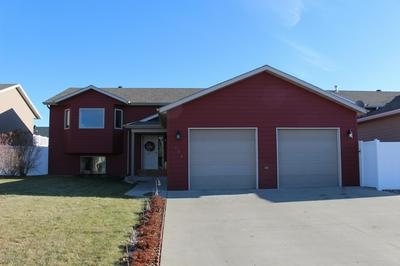 674 16TH AVE E, Dickinson, ND 58601 - Photo 1