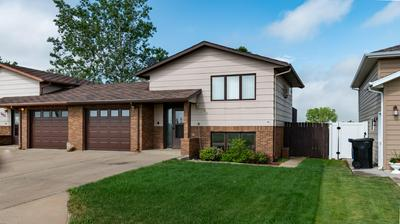 1014 6TH AVE SE, Dickinson, ND 58601 - Photo 1