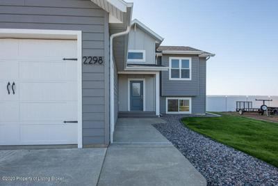 2298 GEYSER CT, Dickinson, ND 58601 - Photo 2