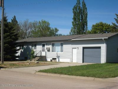 104 3RD AVE SE, Bowman, ND 58623 - Photo 1