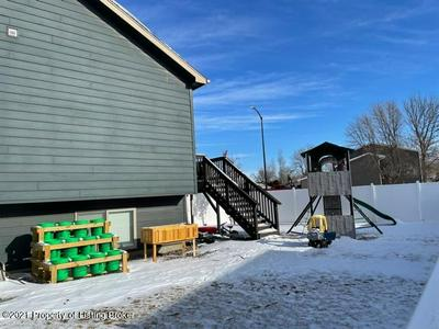 1117 26TH ST W, Dickinson, ND 58601 - Photo 2