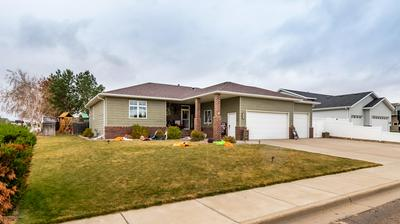 227 19TH AVE W, Dickinson, ND 58601 - Photo 1