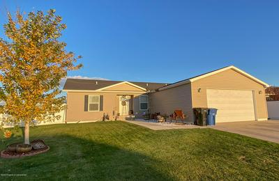 623 5TH AVE SE, Dickinson, ND 58601 - Photo 1