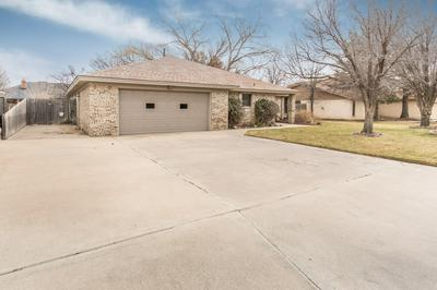 504 ROBIN RD, Dumas, TX 79029 - Photo 2