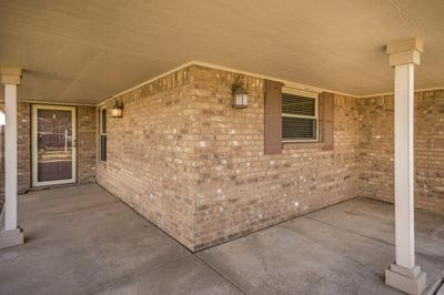809 PHEASANT RUN AVE, Dumas, TX 79029 - Photo 2