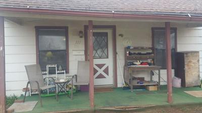 111 PATTERSON AVE, COMANCHE, OK 73529 - Photo 1