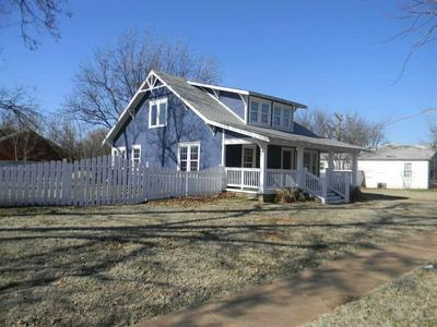211 S 7TH ST, MARLOW, OK 73055 - Photo 2