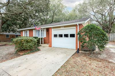 211 20TH ST, Niceville, FL 32578 - Photo 2