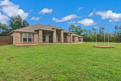 6440 WELANNEE BLVD, Laurel Hill, FL 32567 - Photo 2