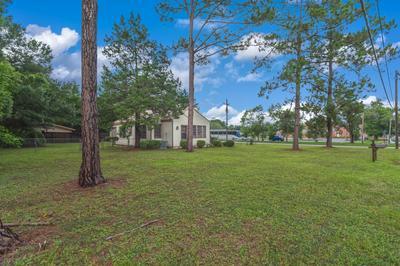 909 MAPOLES ST, Crestview, FL 32536 - Photo 1