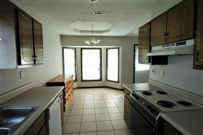 422 BROWN PL, Crestview, FL 32539 - Photo 2