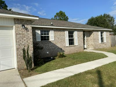 205 TRISH DR, Crestview, FL 32536 - Photo 1