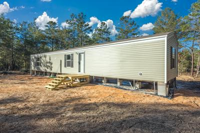 570 W VIOLET LN, Defuniak Springs, FL 32433 - Photo 2