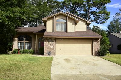 215 BAYBERRY DR, Niceville, FL 32578 - Photo 1