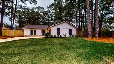 404 GREEN OAK LN, Niceville, FL 32578 - Photo 2