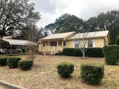 923 ANDERSON ST, Crestview, FL 32536 - Photo 1