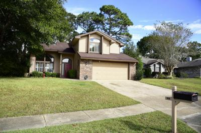 215 BAYBERRY DR, Niceville, FL 32578 - Photo 2
