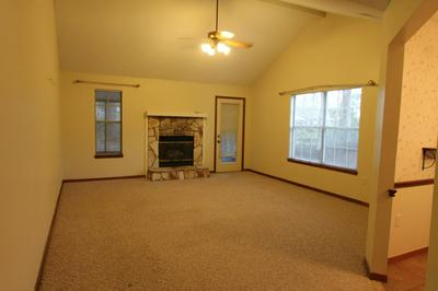 115 CRYSTAL LAKE LN, Valparaiso, FL 32580 - Photo 2