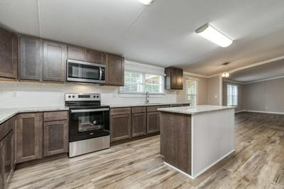 425 W CYPRESS AVE, Defuniak Springs, FL 32433 - Photo 1