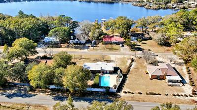 208 LAKEVIEW DR, Defuniak Springs, FL 32433 - Photo 2