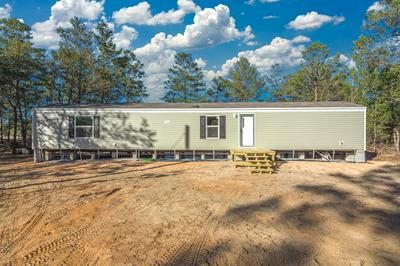570 W VIOLET LN, Defuniak Springs, FL 32433 - Photo 1