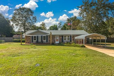 106 HILLWOOD DR, Crestview, FL 32539 - Photo 1
